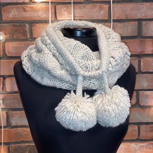 Aerie Infinity Cream Colored Knit Scarf Cozy
